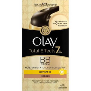 Olay Total Effects 7 in 1 + Touch of Max Factor Foundation for Medium Skin SPF 15 - Pack of 50ml